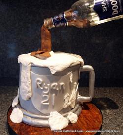 Tankard illusion cake