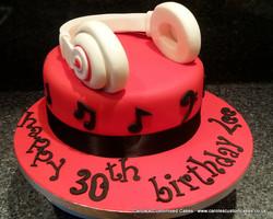 Dr Dre Beats headphones cake