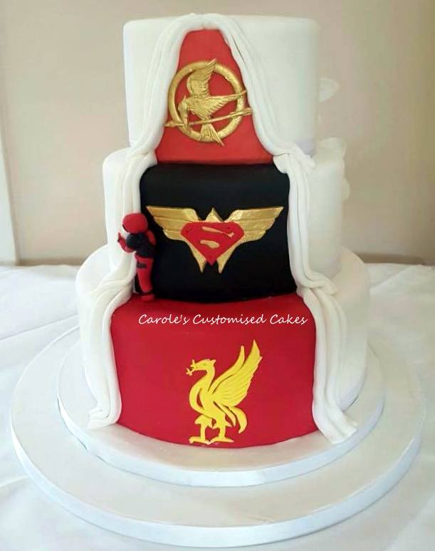 Annie split wedding cake