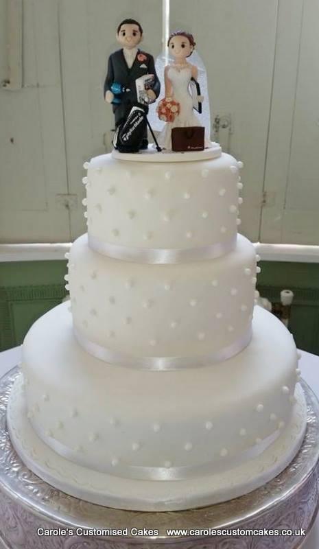 White dots wedding cake