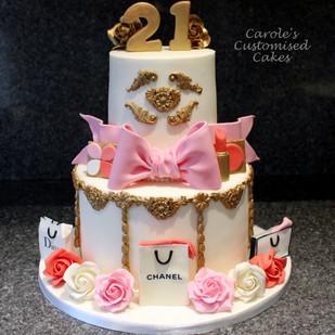 designer bags, roses and makeup 21st cake.JPG