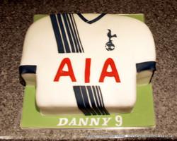Spurs Football shirt cake