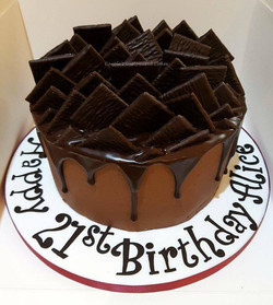 After Eight drip cake
