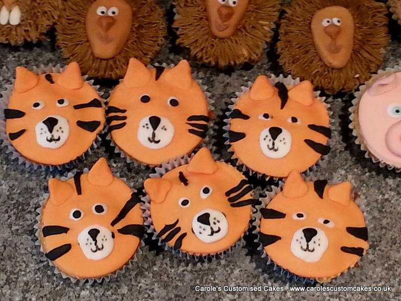 Tiger cupcakes
