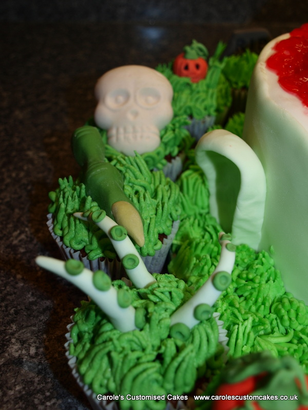 Halloween cupcakes 3
