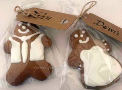 Gingerbread bride and groom favours