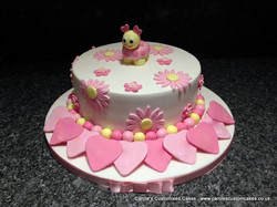 Flower and hearts cake
