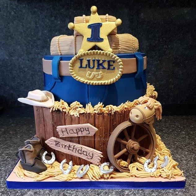 western themed 1st birthday cake.jpg