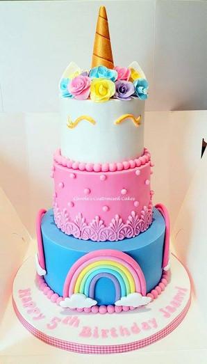 unicorn and roses cake.jpg