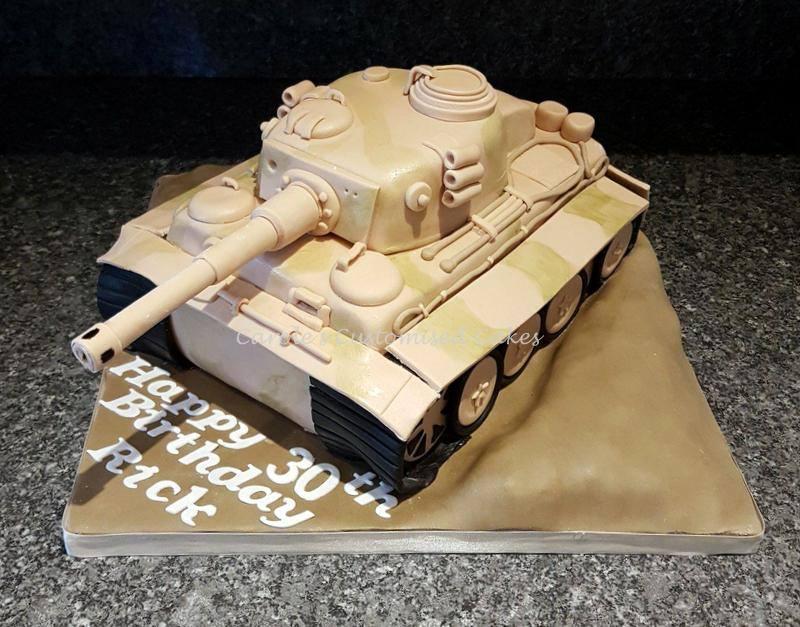 Tiger tank cake