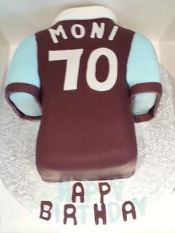 West Ham shirt cake