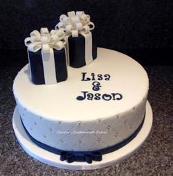 Lisa and Jason gift boxes cake