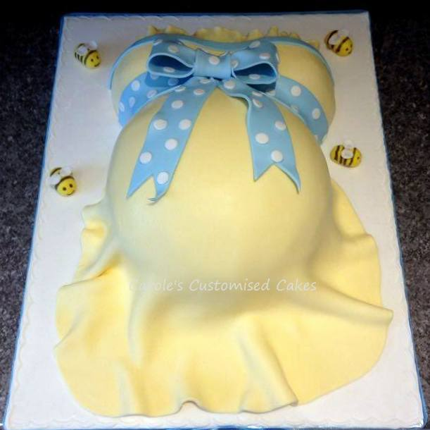 Bees baby bump cake