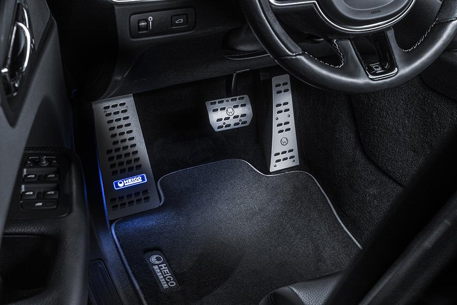 HEICO-SPORTIV-XC60-246-interior-01