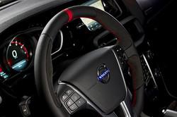 HEICO-SPORTIV-Volvo-V40-Pirelli-steering-wheel