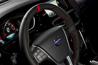 HEICO-SPORTIV-Volvo-V40-Pirelli-steering