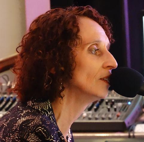 Vanessa Challis Singer entertainer Vocalist Leicestershire Warwickshire Derbyshire