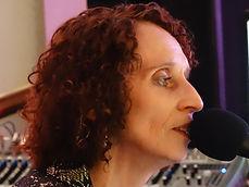 Vanessa Challis, Vocalist. Entertainer, Event Singer, Pianist, Wedding singer, corporate entertainer, Leicestershire, Warwickshire, Derbyshire