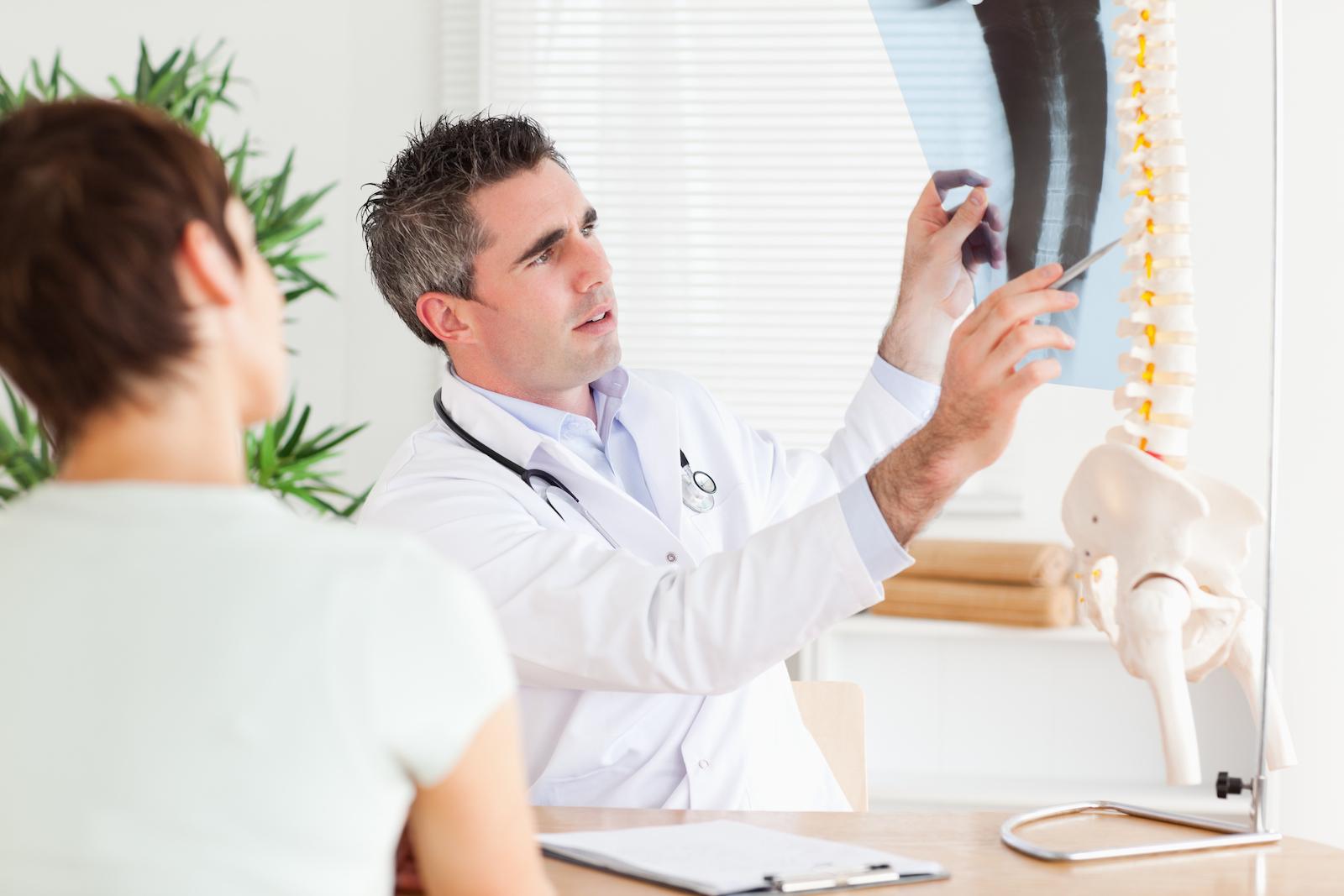 Coluna em Evidencia - entenda a quiropraxia Sentindo Bem Explicando RX