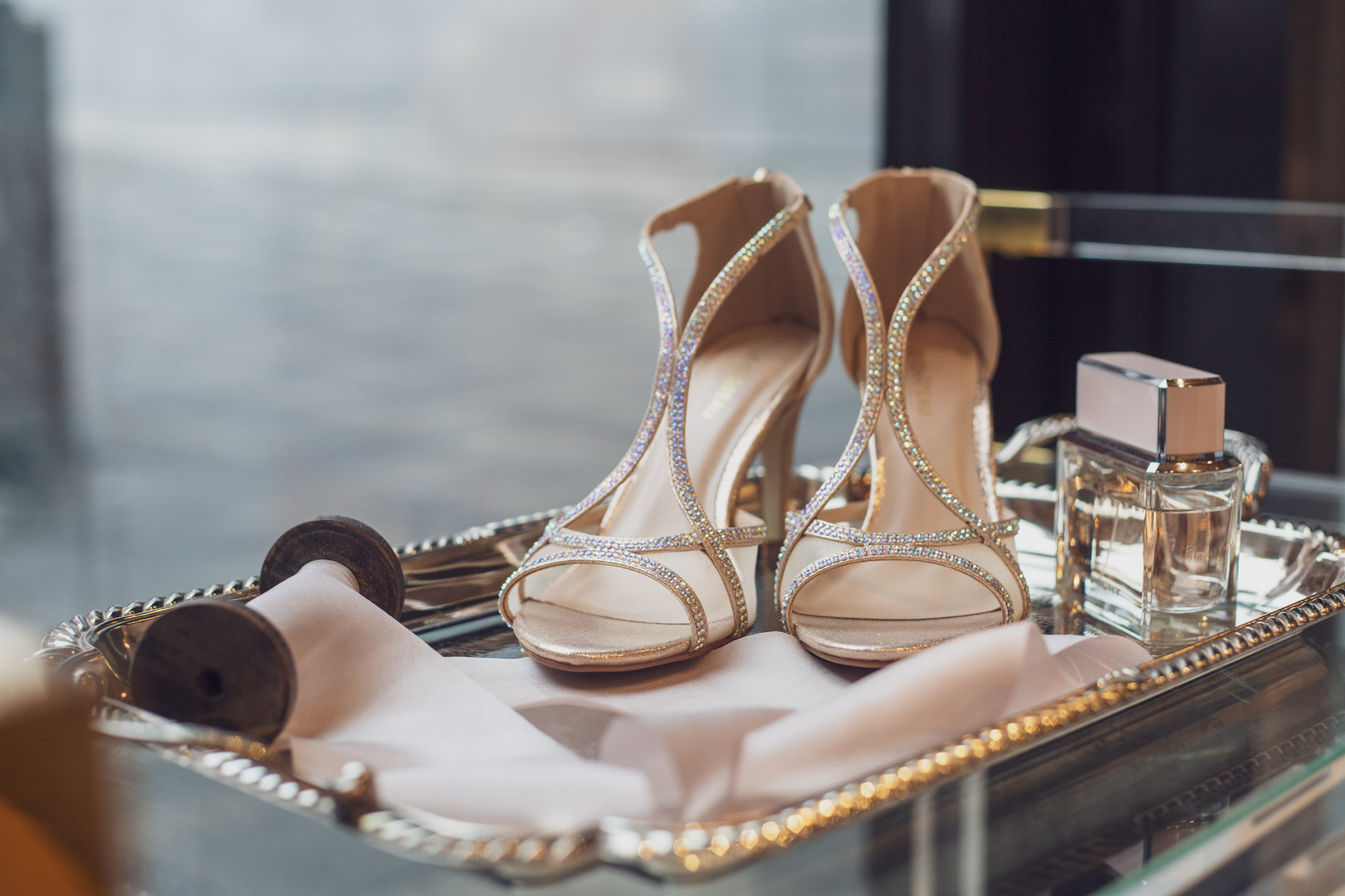 Bridal shoes with perfume and silk ribbon