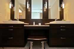 woman's-bathroom-v3