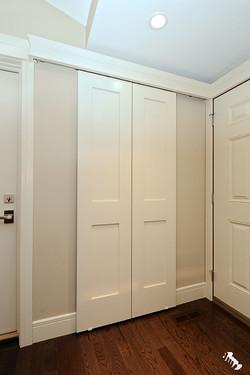 barn-door-closet