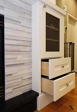 TV-Built-in-Details-2