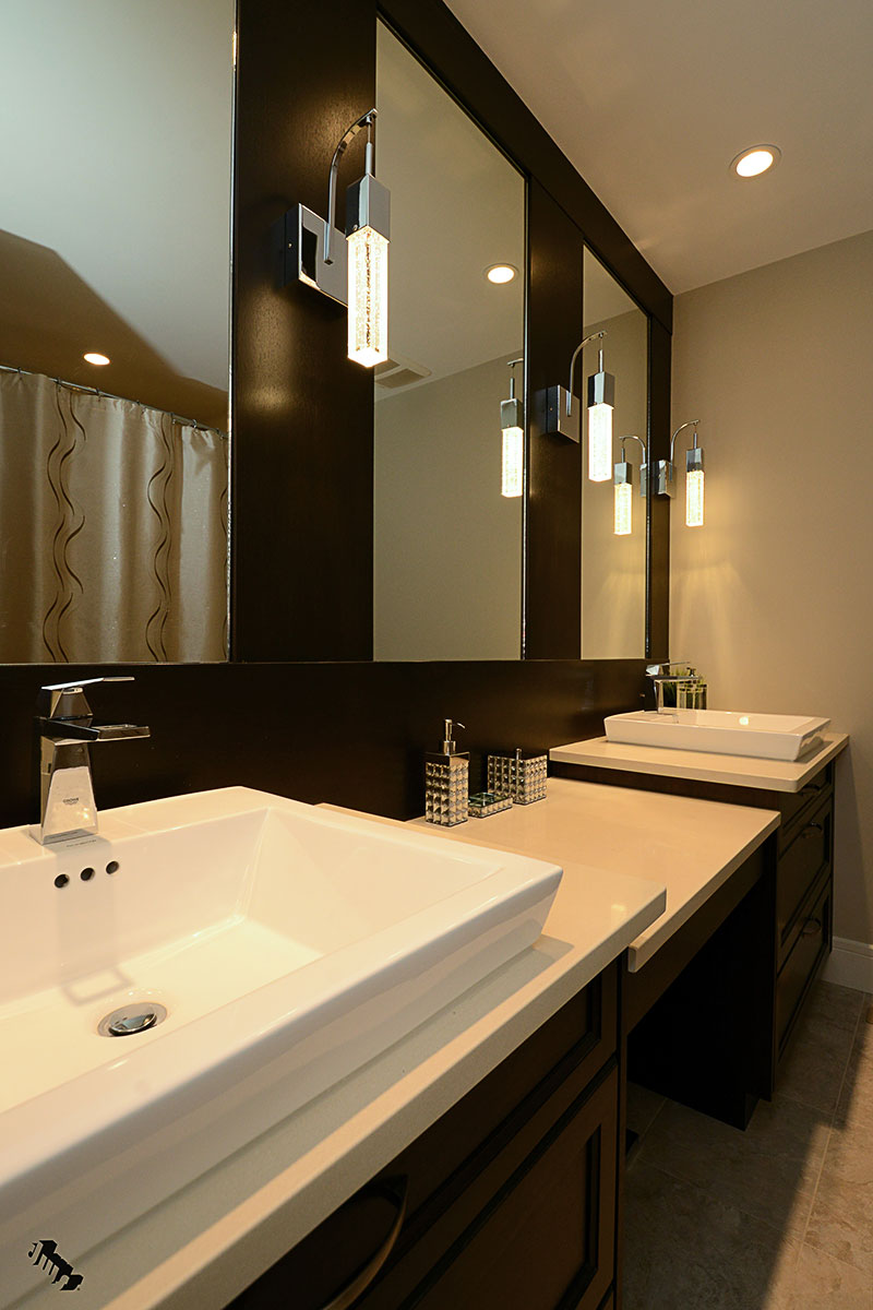 woman's-bathroom-v2