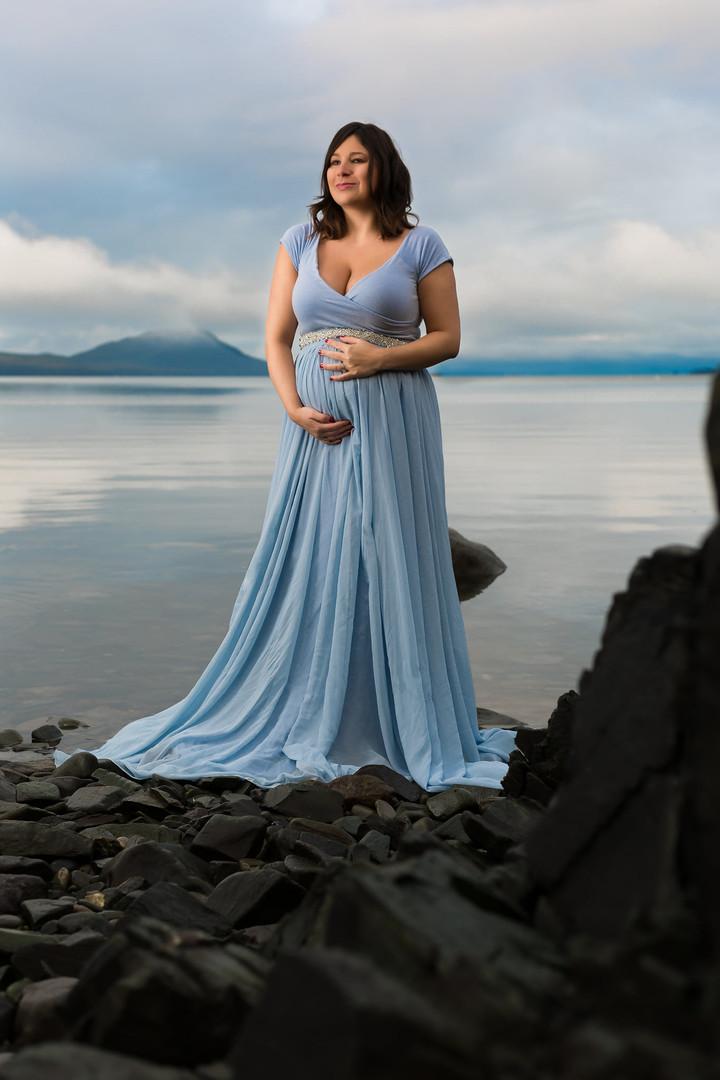 Juneau Alaska maternity photoshoot