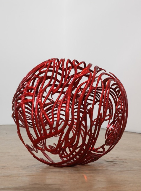 The Heart, 2012, painted stainless steel, 33,75 x 42,25 x 33 in 85,7 x 107,3 x 83,8 cm