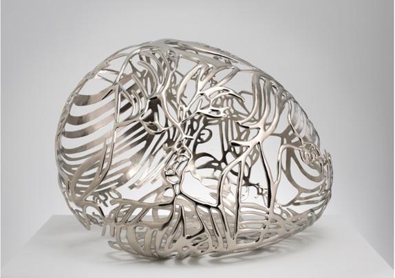 Baiser 2, 2011, nickel plated bronze, 17,5 x 25 x 18 in, 44,5 x 63,5 x 45,7 cm