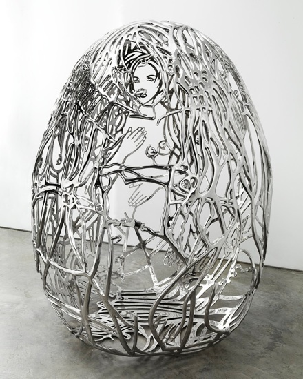 The Blue Bra Girls, 2011, cast and polished tainless steel, 72 x 62 x 54 in 182,9 x 157,5 x 137,2 cm