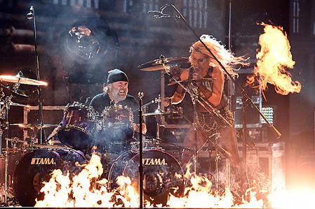 Metallica-Lady-Gaga.jpg
