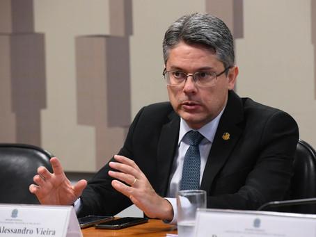 Senadores assinam carta contra a reeleição de Alcolumbre