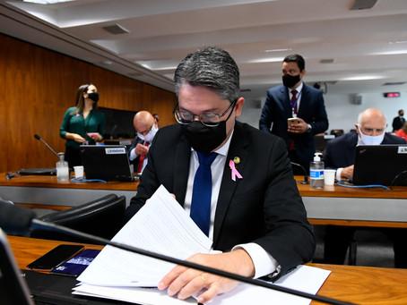 Alessandro Vieira protocola voto em separado contra indicação de Kassio Nunes ao STF