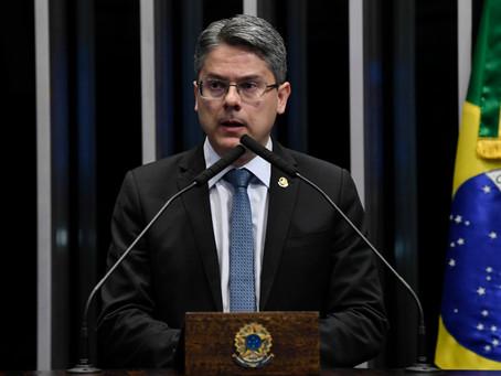 Alessandro Vieira quer prorrogação do auxílio emergencial