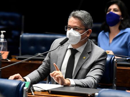 Alessandro Vieira decide destinar R$ 9 milhões para comprar vacinas