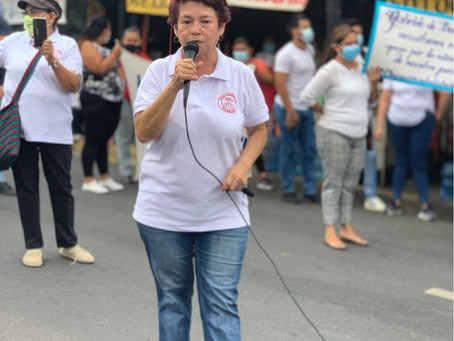 Los docentes interinos demandan a Ministra de educación plazas oficiales.