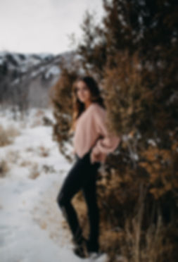 Chelsea Jessop photography Winter senior pictures individual portrait natural light photography in the mountains and snow