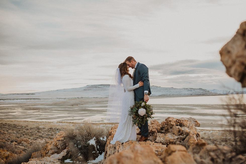 Bridal pictue on rocks on Antelope Island