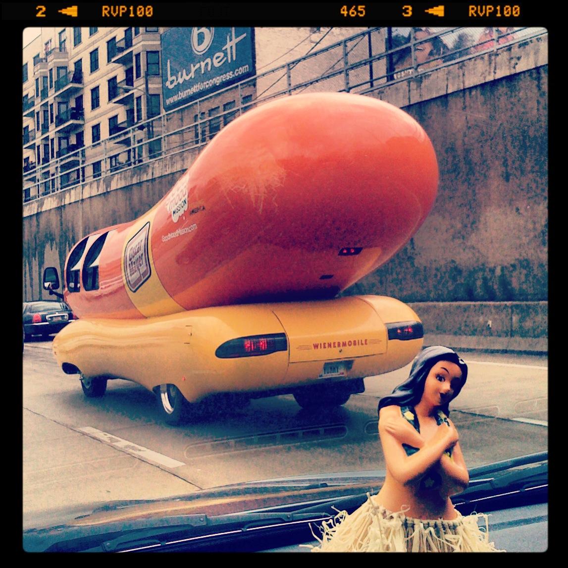 hot dog hula