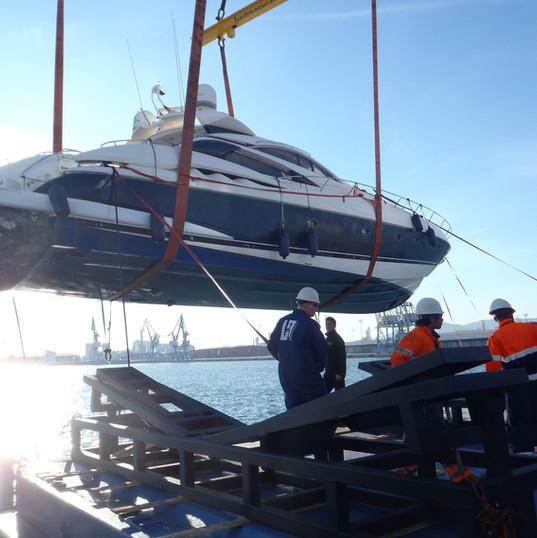 Starclass Yacht Transport at work