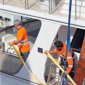 Starclass Yacht Transport with Jan te Siepe adjusting lifting belts