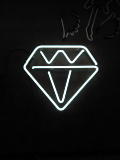 diamond neon sign