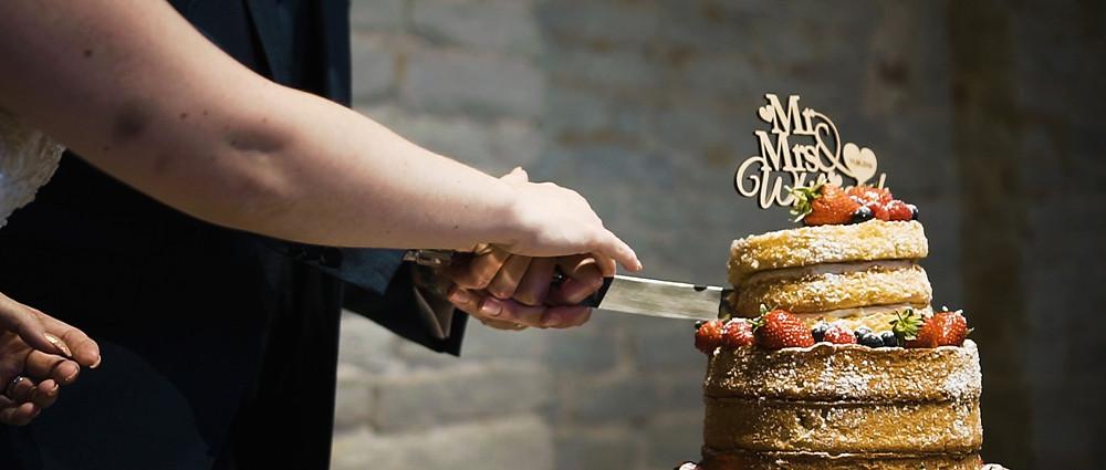 Wedding Cake | Hampshire wedding videographer | Ground Films