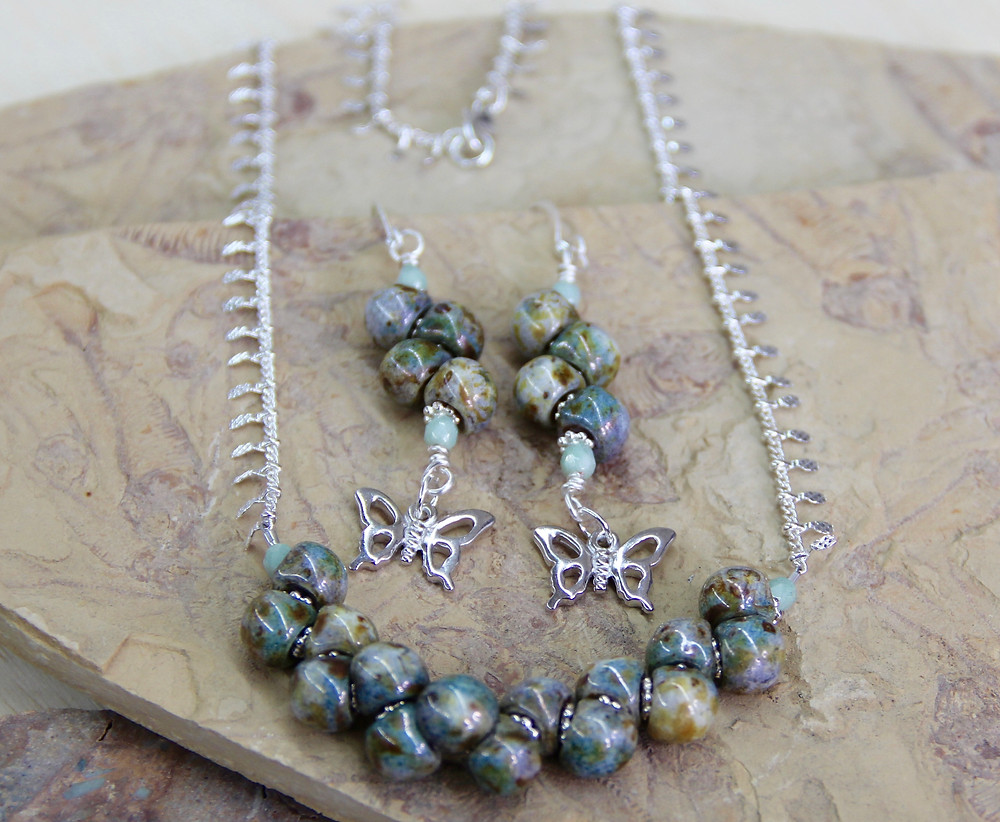 Mushroom beads necklace and earrings class