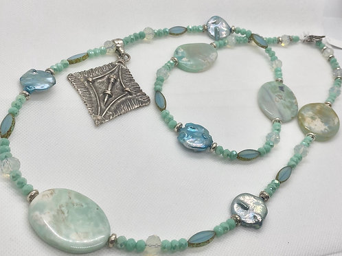 Serena's Agate Necklace