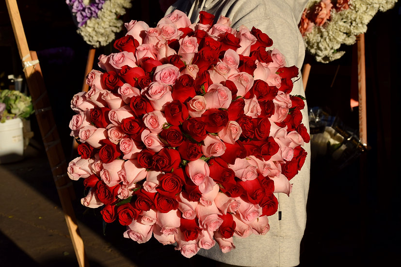 Rosy World Bouquet (Pink & Red)