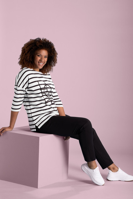 PULLOVER-2104481-TROUSERS-2104302.jpg