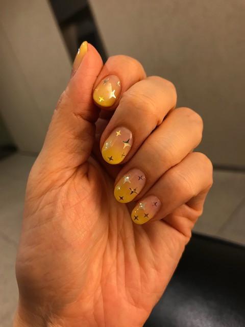 ネイル黄色